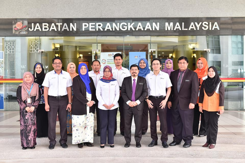 Courtesy visit by Chief Executive Officer, SME Corp. to Chief Statistician, Malaysia